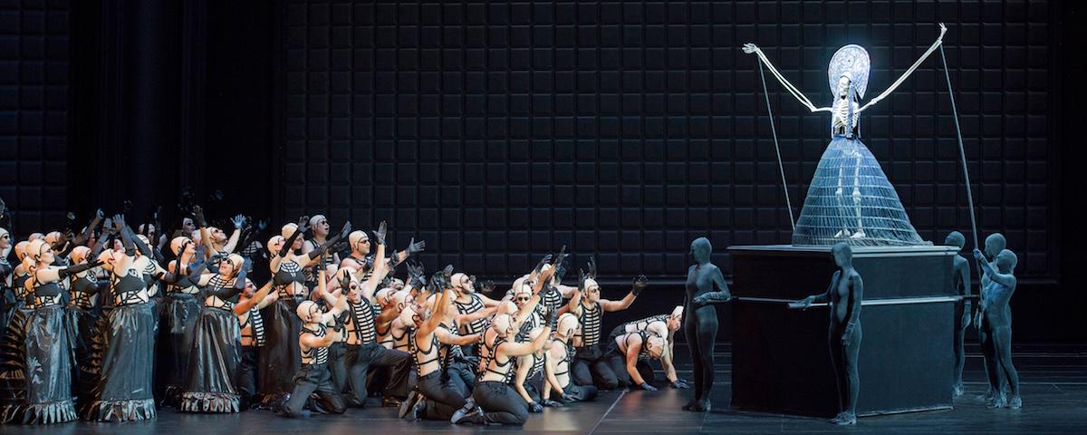 »Pique Dame«, 2. Akt: Die Konzertvereinigung Wiener Staatsopernchor © Salzburger Festspiele/Monika Rittershaus