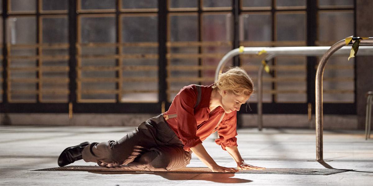 »Fidelio« (Fassung von 1805): Katrin Röver als »Leonore — die Schauspielerin« im »Regiekonzept« der Amélie Niermeyer © Wiener Staatsoper GmbH/Michael Pöhn