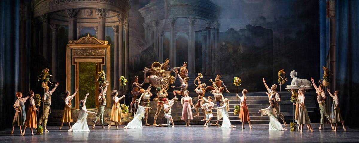 »Sylvia«: Solisten und corps de ballet des Wiener Staatsballetts © Wiener Staatsballett/Ashley Taylor