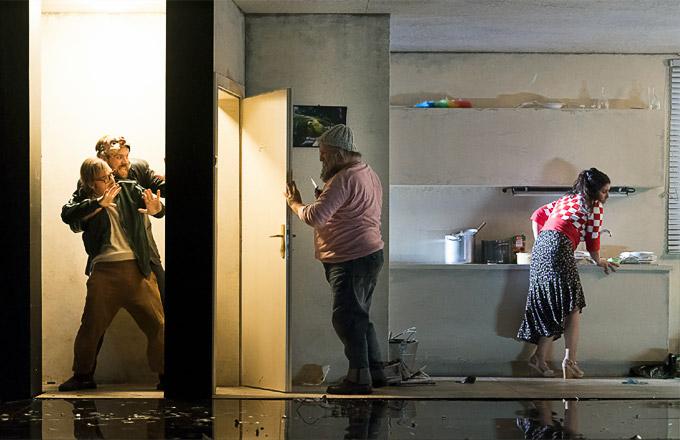 »Pagliacci«: Martin Fournier (Beppo), Audun Iversen (Tonio), Aldo di Toro (Canio) und Aurelia Florian (Nedda) in ihrer Aufführung © Oper Graz/Werner Kmetitsch
