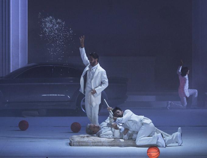 »Don Giovanni«, 1. Akt: Vito Priante (Leporello), Mika Kares (Il Commendatore) und Davide Luciano (Don Giovanni) © Salzburger Festspiele/Ruth Walz